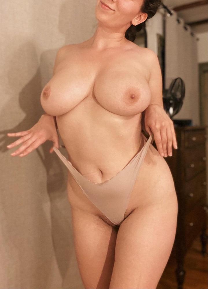 Sagging huge tits-8367