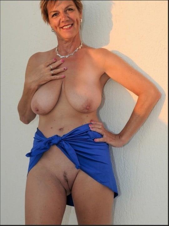 Hot Naked Pics Bi tranny orgy