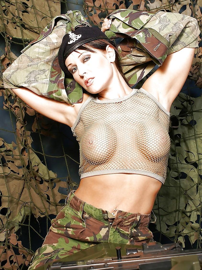 Xxx naked sexy schoolgirl poses in uniforms