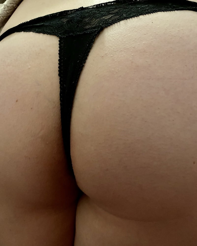Bent over, ready and waiting xx - 7 Pics