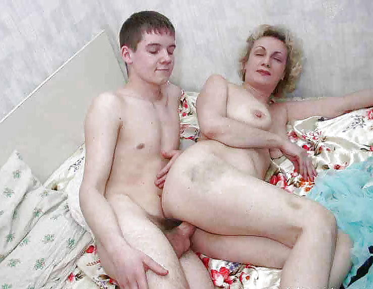 Mom and small son porn amateur