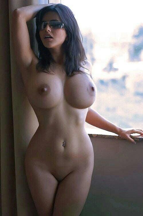 Sexy big-assed blonde pornstar