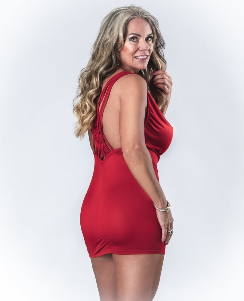 Great Sexy Blond Milf- 16