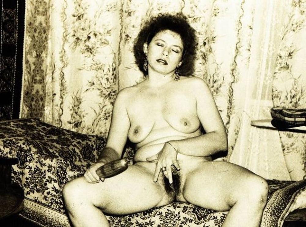 sovetskaya-pornografiya-foto-prostitutka-bez-prezervativa-seks