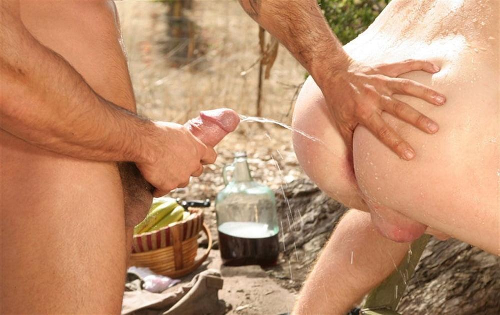 Boys peeing