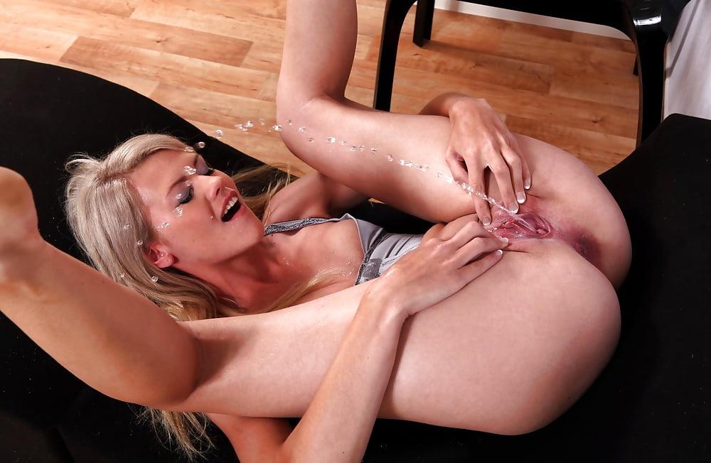 peeing-porns