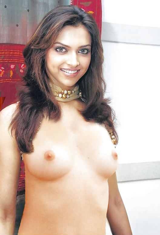 nude-images-of-deepika-padukone-no-holds-barred-female-nude-wrestling