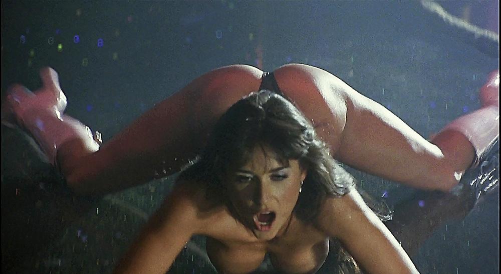 Demi moore nude boobs in striptease