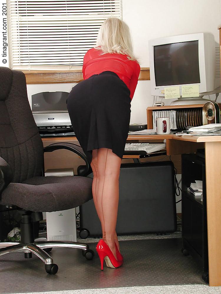 секретарша лесбиянка фото - 14