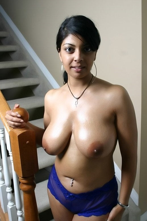 Indian big boobs nude bikini — img 9