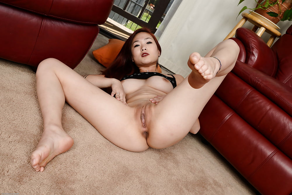 asian-naked-spread-eagle