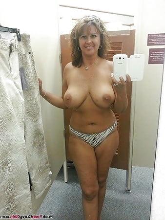 sexy nude chubby selfies