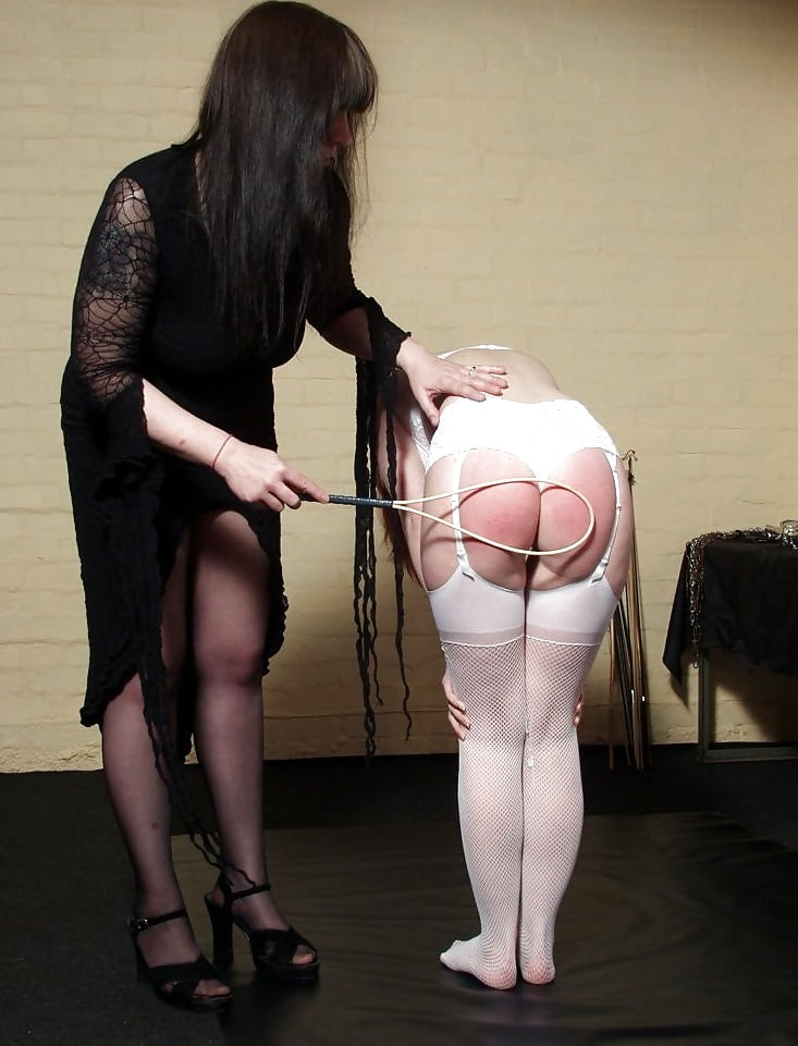 Lesbian twins spanking mamba pictures