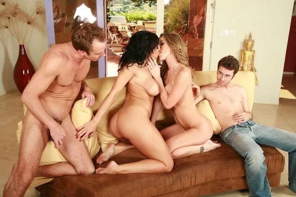 дряблое тело смотреть жесткое порно свингеров две девушки один парень все зависит