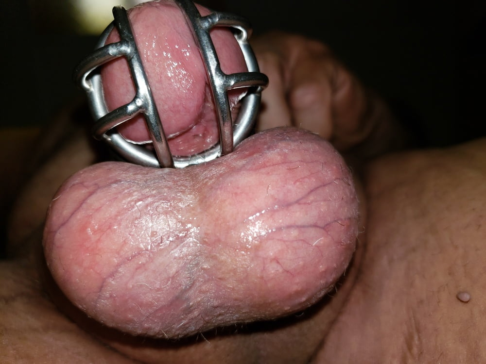 More locked up sissy clit - 12 Pics