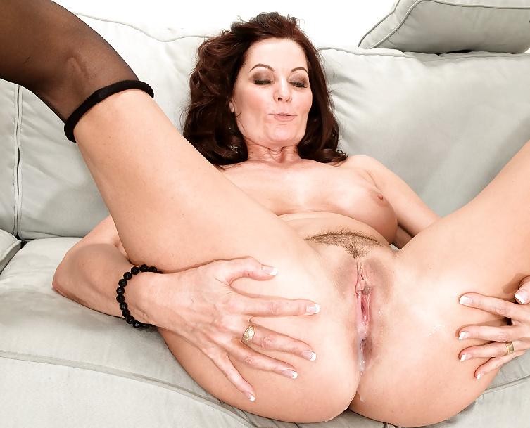 Alyssa lynn sexy big round boobs milf like hard sex clip