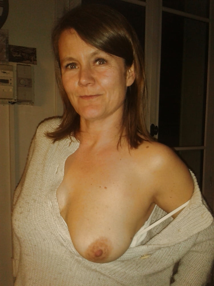 exposed-breasts-pics