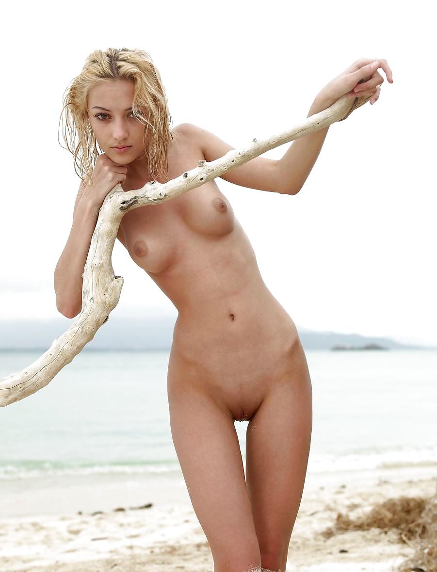 naked-skinny-hoes-oral-sex