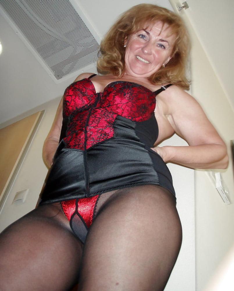 Free mature pantyhose