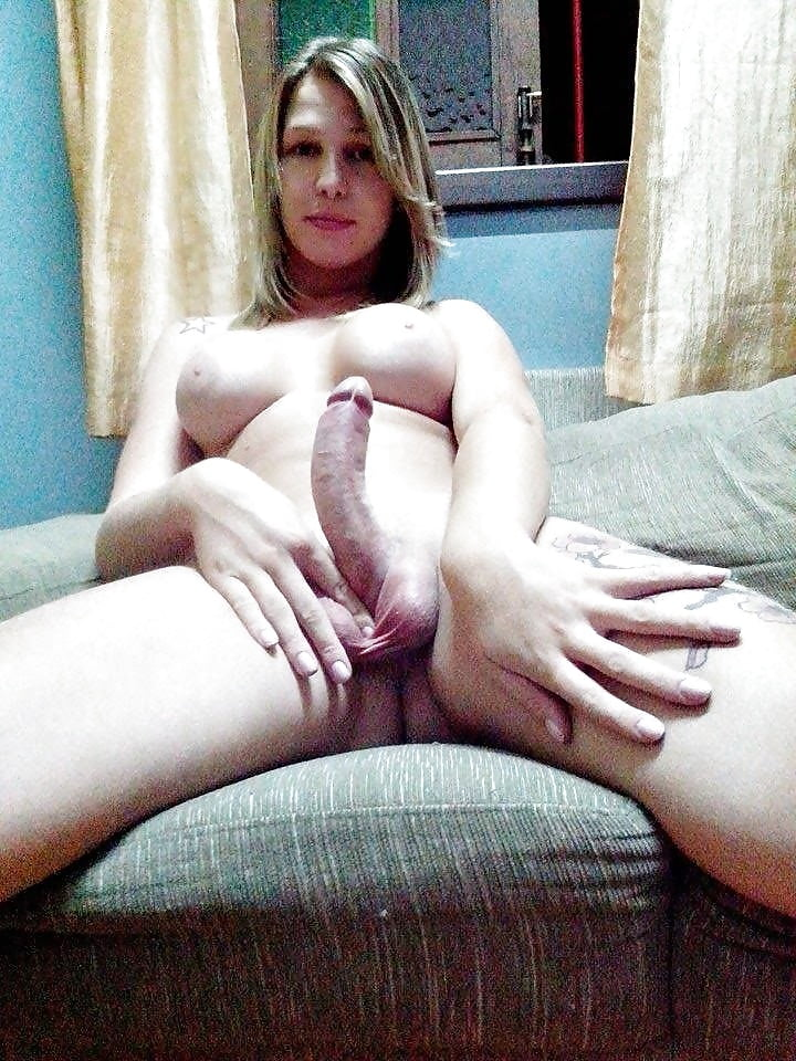 Трансвестит со стояком порно
