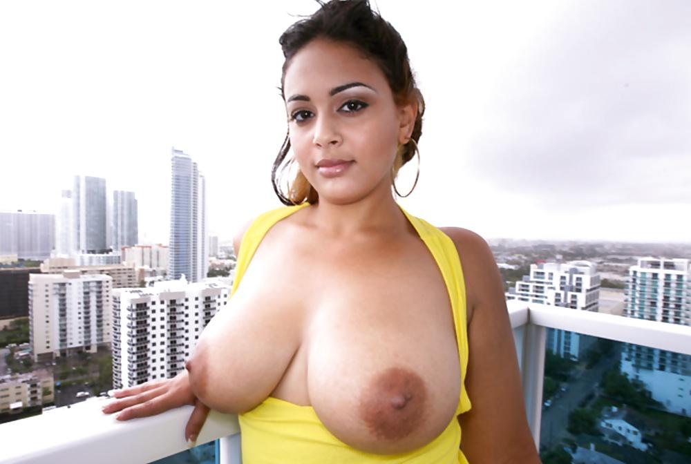 latina-big-boobs-xvideo
