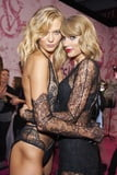Gorgeous Karlie....with Taylor