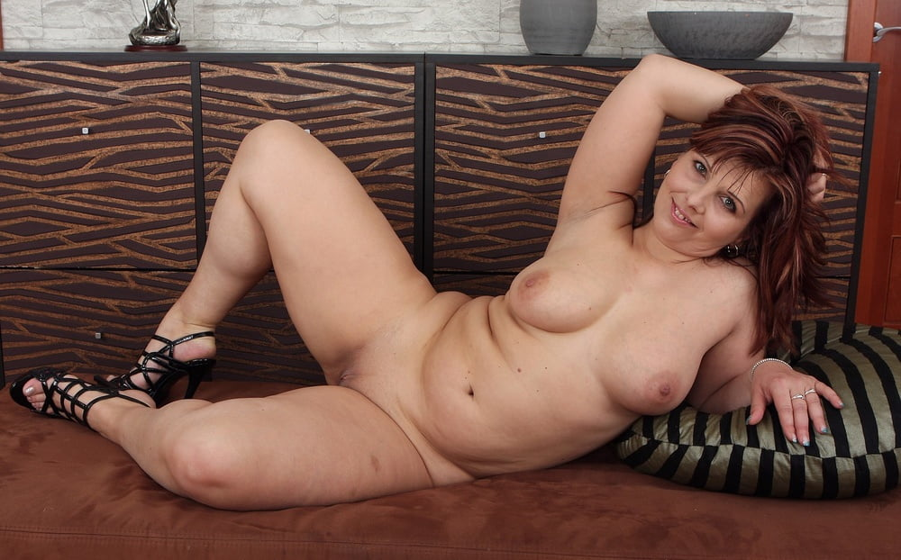 Mature chubby orgasm