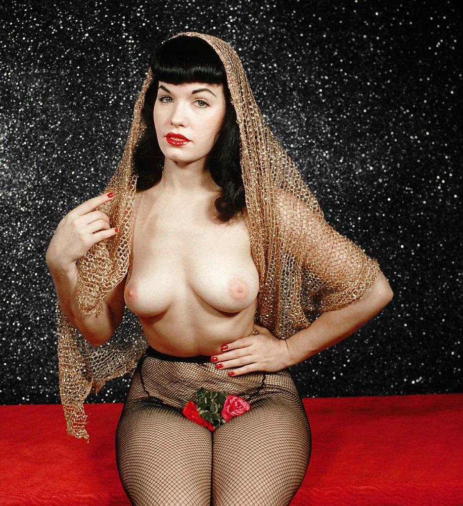 january-roxetta-nude-photos-of-betty-paige-boynude