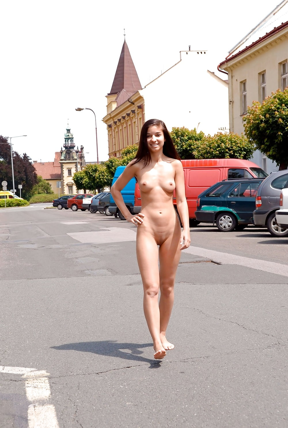 judy-is-nude-in-public-sex-court-the-movie-streaming