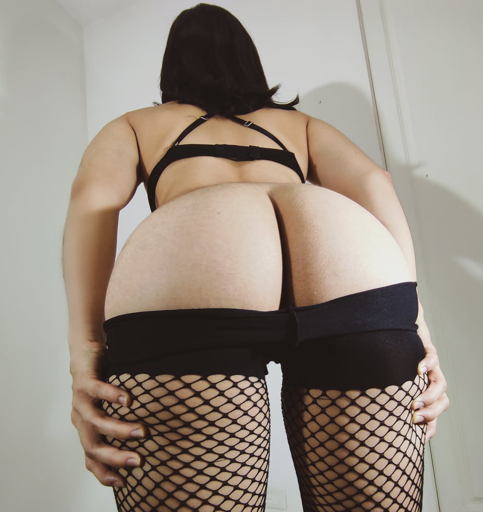 I want to show you my ass - 9 Pics