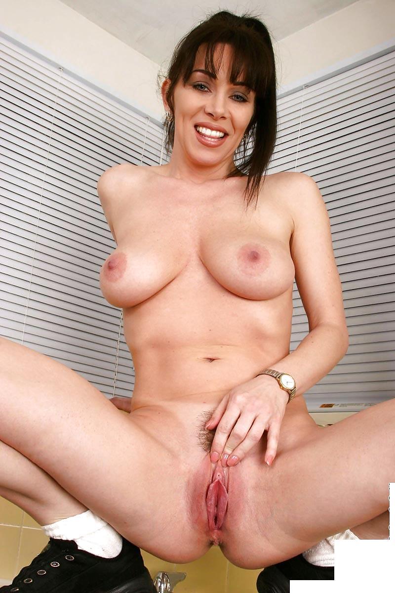 juicy-milf-porno-pics-naked-haircut