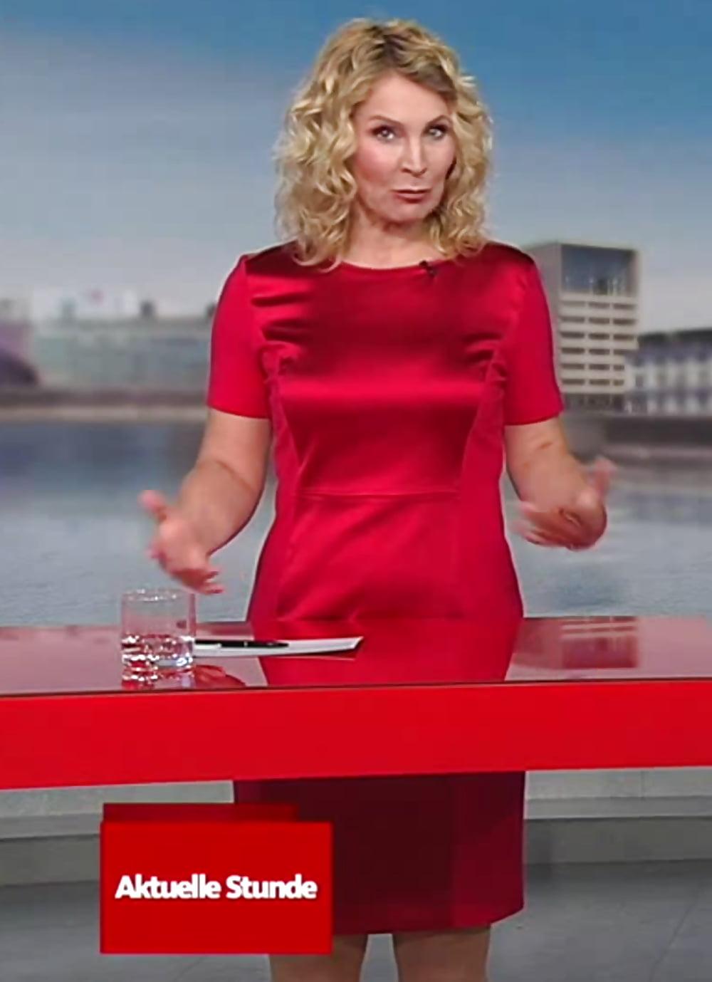 Susanne wil een pornofilmpje maken - 1 3