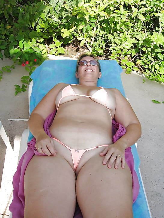 Fat mature woman in bikini 10