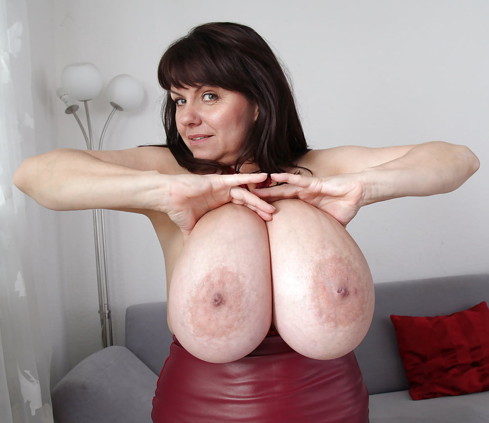 mature-boobs-squeezed