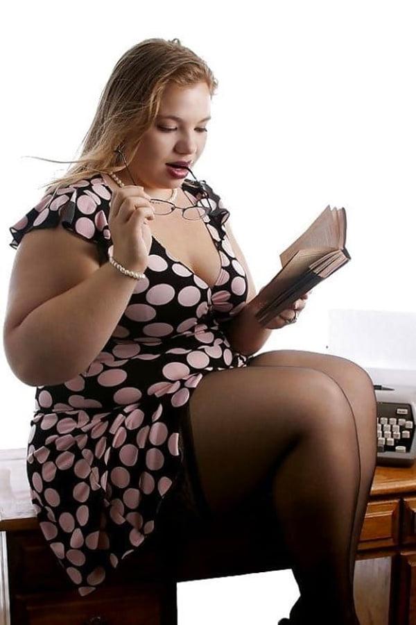 красивую толстуху ебут симпатичная