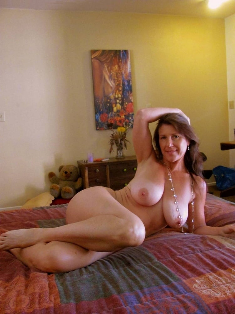 amateur-nude-sexy-mothers-breasts