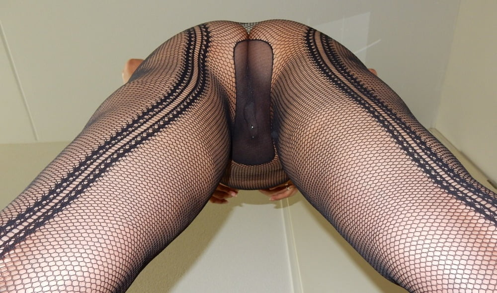 in-fishnet-pantyhose-porn-eskimo
