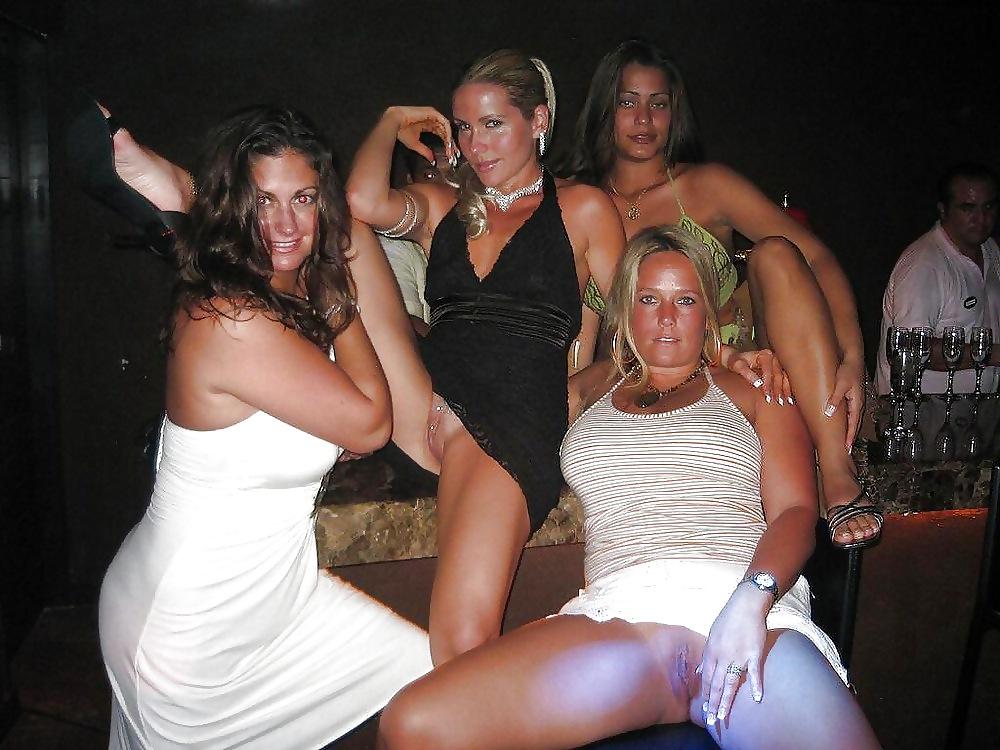 xxx-drunk-girls-flashing-pussies-net