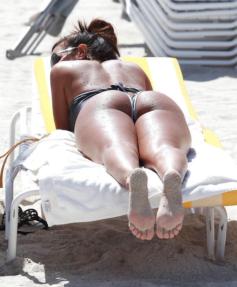Big Booty Latina Milf Selfie
