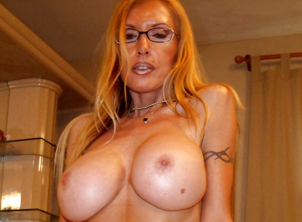 Milf With Huge Fake Tits - 11 Pics - Xhamstercom-5566