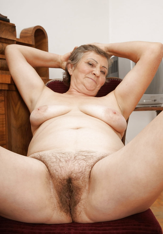 An elderly woman pussy, young cute lesbians cumming