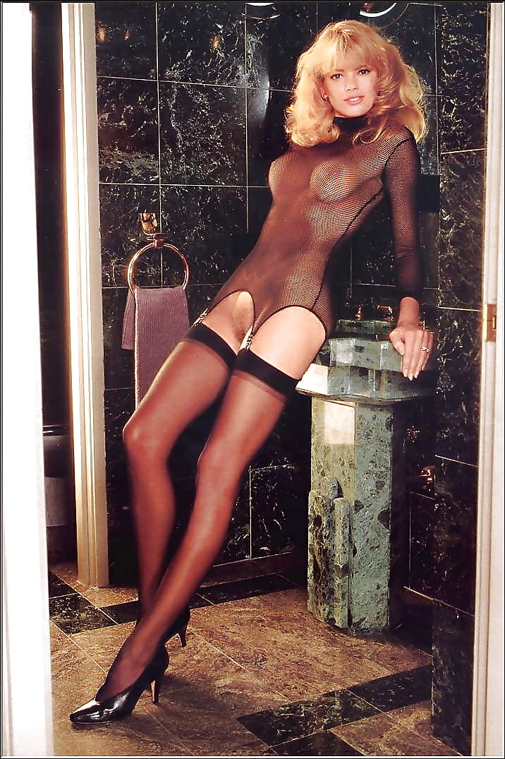 Joanna lumley pantyhose log — photo 15