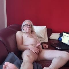 Nackt Auf Der Couch