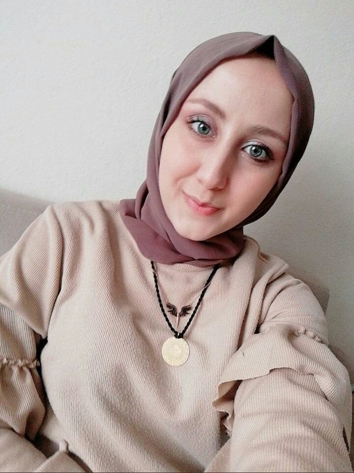 Hijabi Mix - 46 Pics