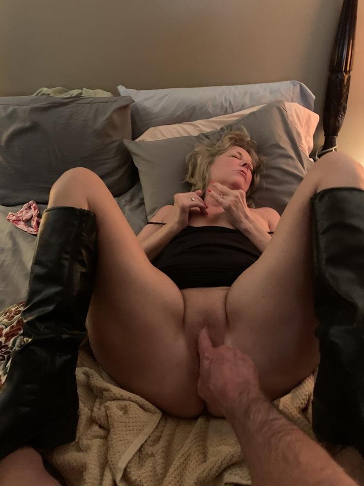 Mature Wife Bbc Creampie