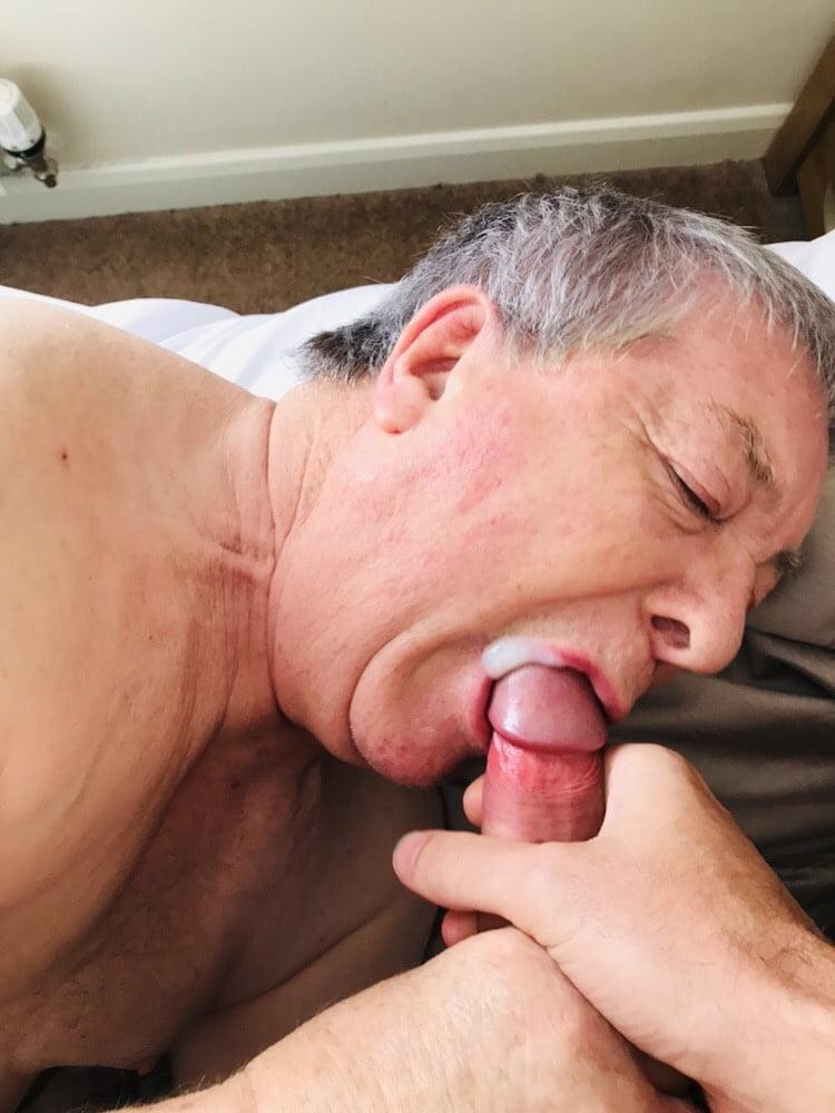 Amateur granny suck off grandpa cock for mouthful