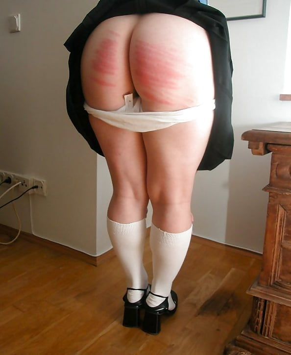 love-to-spank-her-bottom-pussy-style-pics-gallery
