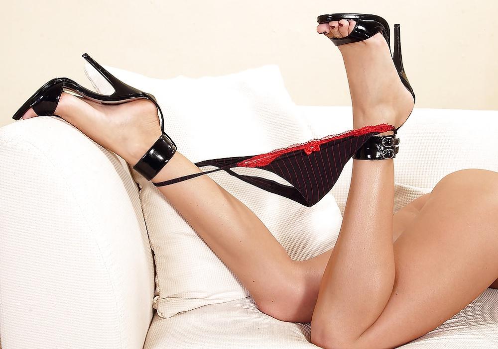 Women In Sexy Shoes Fetish Hustler 1