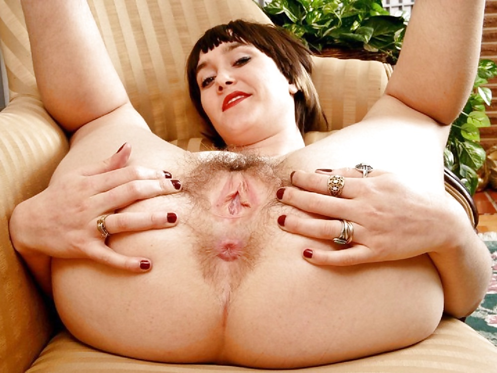 Penetration in a hairy pussy of a mature madam was ended with an anal sex