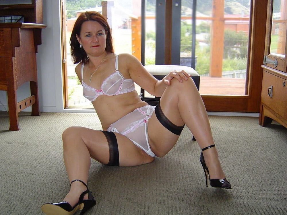 Pics of milfs in panties